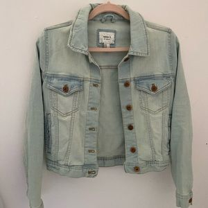 Forever 21 Jackets & Coats - Forever 21 Denim light-wash Jacket